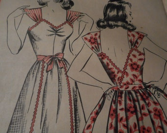 Vintage 1940's Hollywood 1353 Pinafore Dress Sewing Pattern Size 14 Bust 32