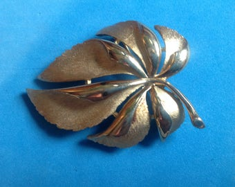 "Vintage! Crown Trifari shiny & brushed gold tone leaf pin 2 1/4"" x 1 1/2""."