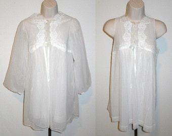 Vintage White Chiffon BabyDoll Peignoir Set ~ 1960's  Gossard Artemis Peignoir Set ~ Wedding Set ~ HoneymoonSet  ~ White Nylon & Chiffon