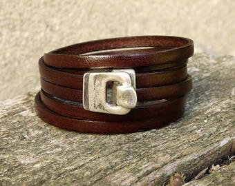 Women - 3 turns of wrist - antique silver hook clasp leather bracelet