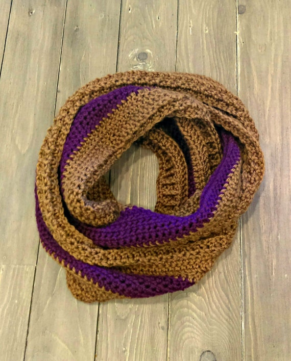 Textured infinity scarf in plum and camel