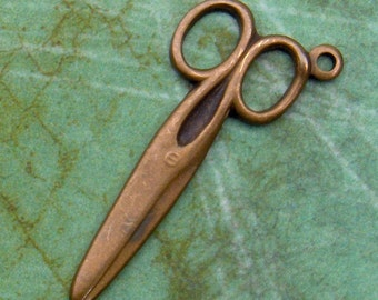 5 Scissor Charms, Hand Finished Antiqued Patina (CSSA)