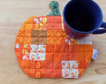 Patchwork Pumpkin quilted snack mat Mug Rug for her, pumpkin thank you Gift basket idea, party decorations, Seasonal mini quilt