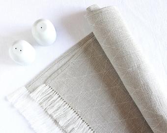 Linen table runner - Easter table decorations - Scandinavian style modern - fringes - Christmas table setting  - chemin de table lin | 0053