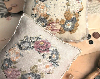 Victorian Posey Pinkeep (a Faithfully Reproduced Antique Pincushion)  : Cross Stitch Pattern by Heartstring Samplery