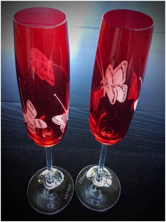 Hand Engraved Butterfly Toasting Flutes, Butterfly, wedding, Personalized, Mothers Day, valentines Day, Housewarming gift, champagne flutes