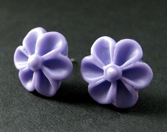 Lavender Purple Flower Earrings with Silver Earring Posts. Outie Button Flower Jewelry. Handmade Jewelry.