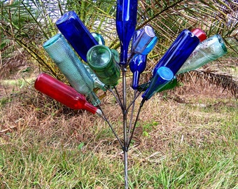 Southern Garden BOTTLE TREE - 16 Wine Bottle Yard Art Bottletree