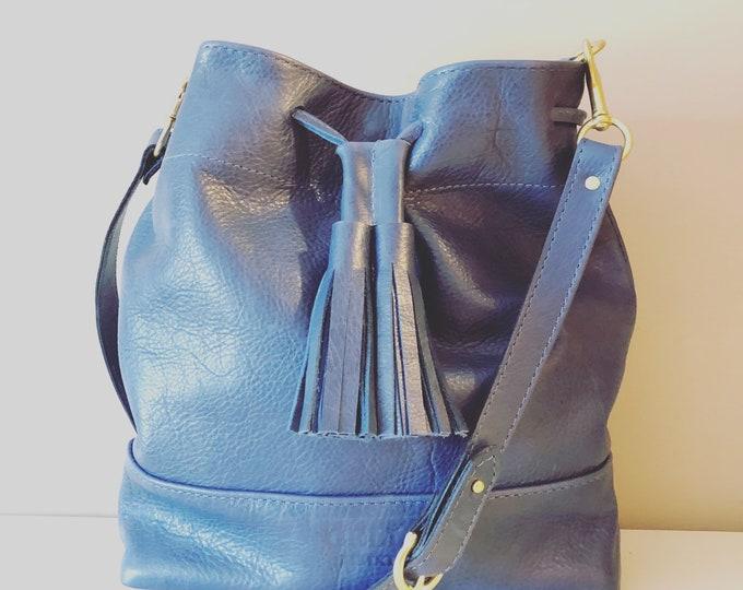 Leather Drawstring Bucket Bag/Blue purse