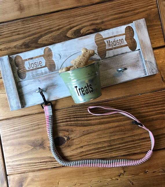 Leash Holder, Dog Leash Hook, Country Leash Holder, Wood Dog Sign, Pet Sign, Personalized Pet Sign, Dog Lover Gift, Farmhouse Sign, Dog Gift