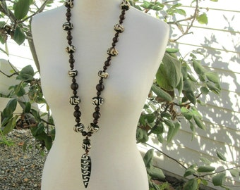 LONG African Necklace Set, Kenyan Batik Bone Amulet & Batik Bone Beads, Unisex Statement Necklace Set by SandraDesigns