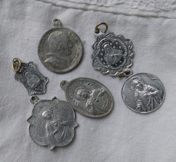 6 Antique French Aluminium Medals Our Lady Heart of Jesus 1933 Pope Holy Year #sophieladydeparis