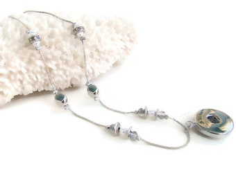 Faux pearl and silver detail, 20 mm, noosa style snap charm button necklace with lobster claw clasp and extender