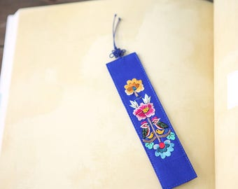 Embroidery bookmark, Bookmark, Traditional ornament, Korean traditional ornament