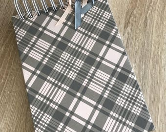Notepad in geometric patterns