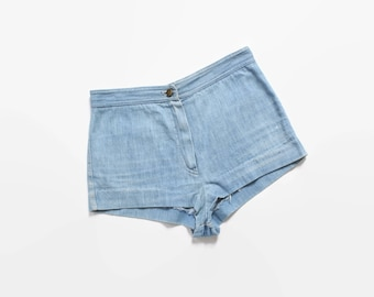 Vintage 70s JEAN SHORTS / 1970s High Waisted Light Blue DENIM Hot Pants xs