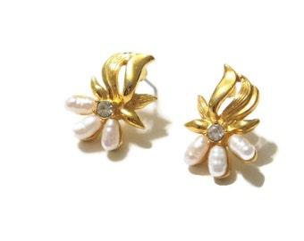 Boucles d'oreilles Vintage perles d'eau douce perle mariage percé poste délicat mariage délicat petit bijoux signé DS