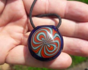 Hollow bowtie pendant