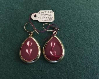 Vintage drop/dangling pierced earrings - boot red teardrop shape