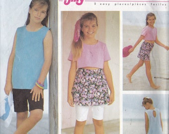 Simplicity 7835 CLEARANCE Vintage Pattern Girls Tops and Shorts in 2 Variations and Skirt Size 7,8,10