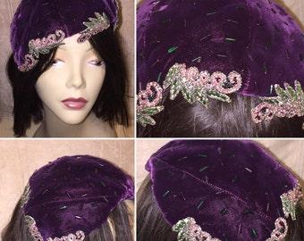 Vintage 1920s 1930s Women's Purple Velvet Beaded Cloche Fascinator Hat
