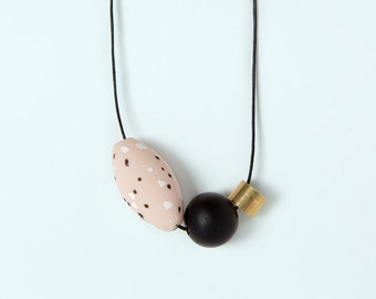 Necklace by Depeapa - Materia#07 - Pink and black