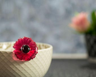 Gerbera brooch, beautifully handmade. Comes in a gift box.