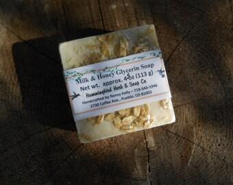 All Natural Soap - Oatmeal Milk & Colorado Honey - Handmade Soap - SLS Free Pure Glycerin - Pure Essential Oil - Sensitive Skin - Goats Milk