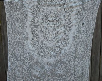 225T Vintage Ivory Lace Cutter Tablecloth, Repurpose, Arts and Crafts