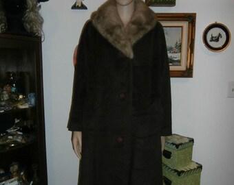 Womens Winter Coat: Faux Fur ~ Large  Rabbit Collar - Vintage Womens Winter Coat