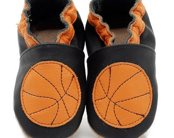 ekoTuptusie BASKETBALL BALL on green, Soft Sole Baby Shoes, Camping Baby Shoes, Baby Moccasins, Leather shoes,
