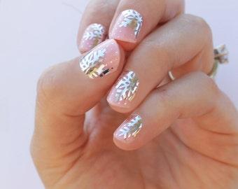 Silver Snowflake Nail Wraps