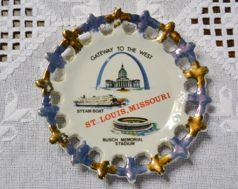Vintage St Louis Missouri Travel Souvenir Plate Filigree Border Japan PanchosPorch