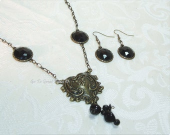 Black Heart Necklace & Earring Set, Antiqued Brass-tone, Hanging Earrings,Dramatic Heart pendant,OOAK, Statement Necklace Halloween Costume