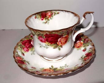 Royal Albert Old Country Roses China England Tea Cup with Saucer Home and Garden Kitchen and Dining Tableware Drinkware Coffee and Tea Cups