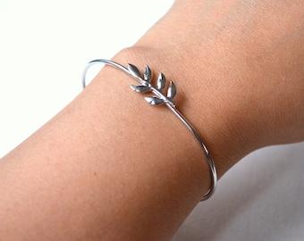 Open leaf silver bracelet