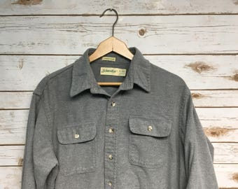 Vintage 80's St. John's Bay Chamois Cloth Gray flannel shirt heavy cotton flannel speckled gray hipster boyfriend boho shirt - Large
