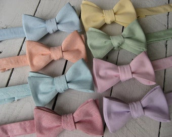 Chambray Bow Tie~Mens Self tie~Mens Pretied~Cotton Bow Tie~Mint Tie~Peach Tie~Blush Tie~Wedding Tie~Anniversary Gift~Sunwashed Chambray~Red