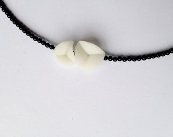 elegant tiny necklace, nO.27 'flower petals between tiny onyx'
