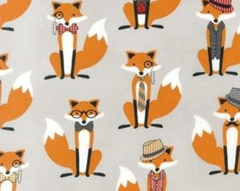 Fox and The Houndstooth Foxes Grey. Robert Kaufman - Fabric by the Yard