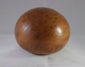 Redwood bowl with round bottom