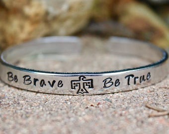 Inspirational Bangle, Inspiration Jewelry, Be Brave, Be True Bangle, Be Brave Bangle, Be Brave Bracelet, Be True Bracelet, Mantra Bracelet
