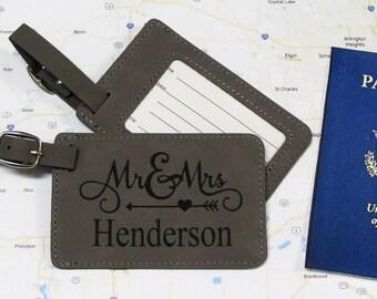 Arrow Heart Mr. & Mrs. Luggage Tag - Set of 2 - Personalized Luggage Tag - Mr. and Mrs. Luggage Tag - Leatherette Luggage Tag - Wedding Gift