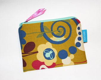 Small Cosmeticbag - Makeupbag - Zipperpouch - Coin Purse - Flowers and Bee