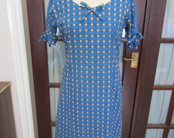 1960s/70s Richard Shops blue & brown floral print day dress with cute bow detail to neckline and sleeve, size 10-12
