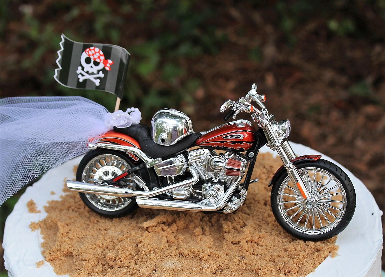 Motorcycle cake topper 2014 harley davidson cvo breakout zoom kristyandbryce Image collections
