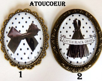 Brooch/cabochon/Metal Bronze/Black and white/Vintage.