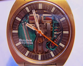 VINTAGE BULOVA ACCUTRON 14 kt 1970 spaceview vintage rare runs perfect new cleaning and battery