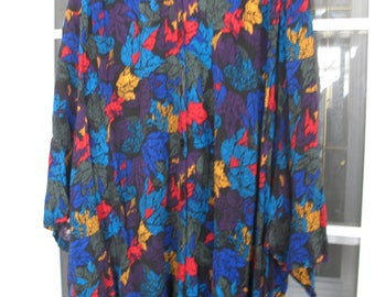 Ladies 5 X Colorful Shirt....CST Studios......100%Rayon...Short Sleeve