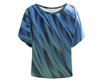 Blue and green feather pattern dolman top loose fit batwing sleeves photo tshirt pattern print